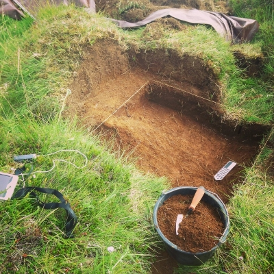 digging through a þufur
